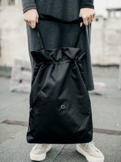 Czarna miejska torba damska. Ręcznie robiona.
