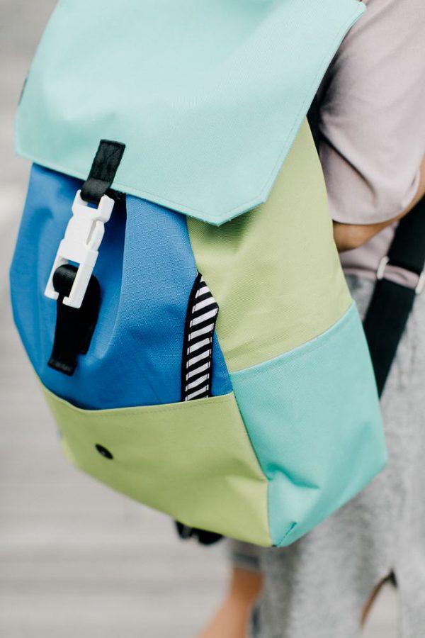 plecak PRAWIE CZARNY. Kolorowy stylowy plecak miejski z przegrodą na laptopa. Wodoodporny. Uszyty z dbałością o szczegóły. Polski handmade.