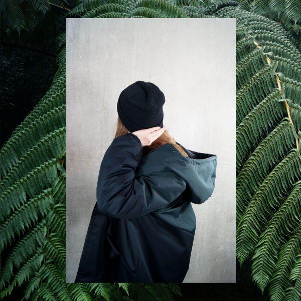 kurtka z MCHU I PAPROCI. Ciepła zimowa stylowa damska kurtka w kolorach czarnym i zielonym. Szyta ręcznie przez polskie krawcowe. Handmade.