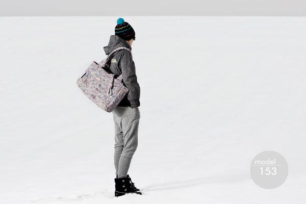 Torba PRZEMYSŁOWA xxl. Bardzo duża stylowa damska torba z ekologicznego materiału jakim jest filc. Przeważający kolor szary. Polski handmade.