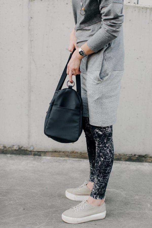 torba POŁĄCZONA. Damska stylowa czarna torba na fitness lub siłownię