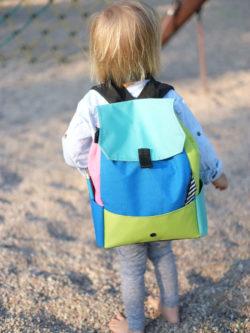 Kolorowy stylowy plecak dziecięcy, handmade, materiał kodura + ortalion + nylon, polscy projektanci, idealny na prezent dla dziecka