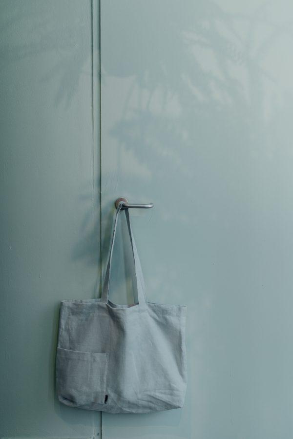 torba lniana MIĘTOWA torba powieszona za długie uszy na miętowych drzwiach
