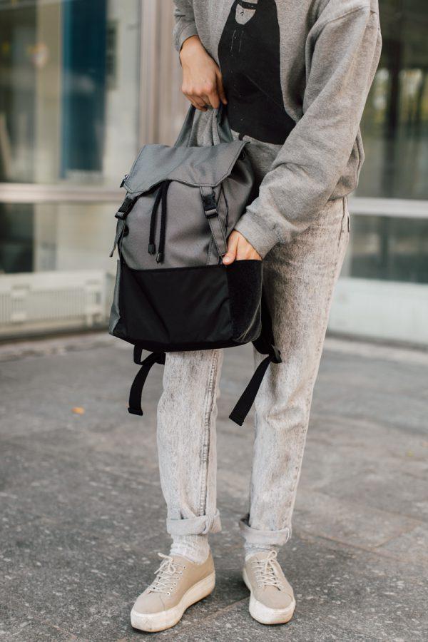 plecak KOLAŻ POCHMURNY. Czarno szary damski plecak miejski