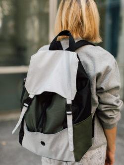 plecak CZARNA OLIWKA. Damski plecak w klasycznej formie.