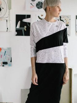 sukienka PRETO - Wygodna damska czarno biała sukienka, wykonana z materiału we autorskie wzory wyprodukowanej specjalnie dla Metr64 i Pulpa. Polski Handmade
