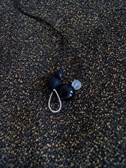 naszyjnik LÓD - ręcznie robiony kolorowy naszyjnik z lawą wulkaniczną, biżuteria handmade