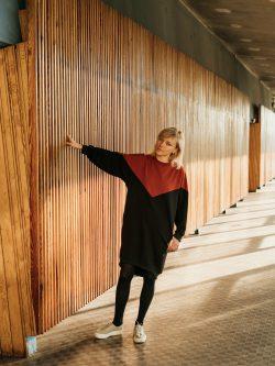bluza długa CEGLASTA damska, tunika dzianinowa, sukienka, czarna, szyta ręcznie w Polsce, handmade, oversize
