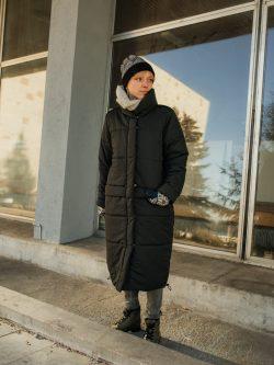płaszcz KOŁDERKA długi pikowany płaszcz damski, szyty ręcznie w Polsce, ciepły, czarny matowy