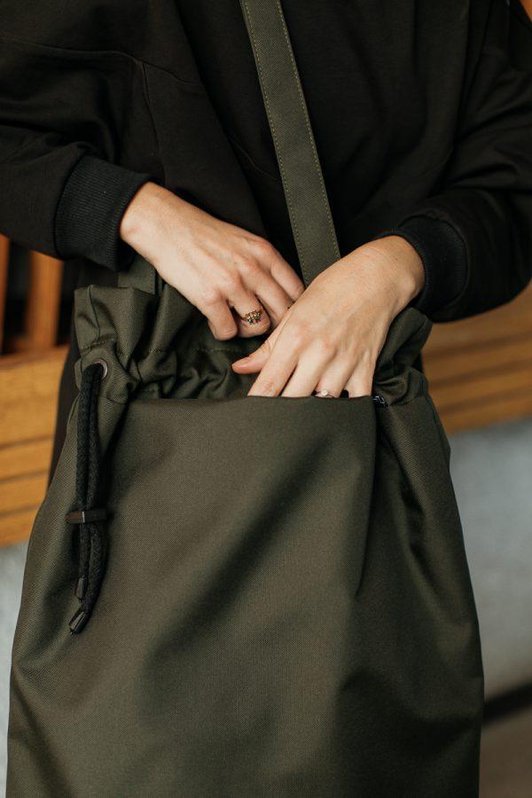 Torba OLIWKA duża. Czarna duża pojemna stylowa damska torba miejska. Uszyta ręcznie z dbałością o szczegóły. Polski handmade.