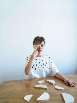 podkoszulek PLAMKI damski, bawełniany, biały, ecru, szyty i projektowany w Polsce, we Wrocławiu, handmade, polscy projektanci